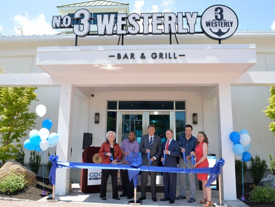 3 Westerly Bar & Grill, located at the Harbor Square luxury rental complex on the Ossining waterfront, at its grand opening.
