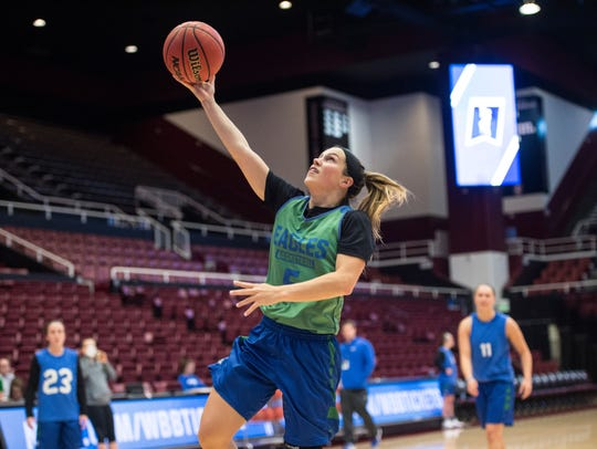 FGCU junior guard Lisa Zderadicka goes in for a layup