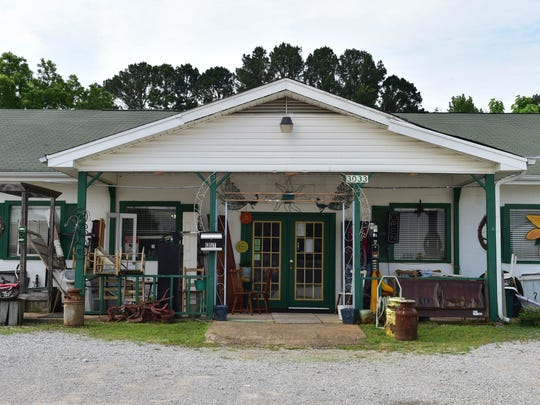 Mary Jean Pettit used to operate a consignment store in this building in Mantachie before she injured her heel.