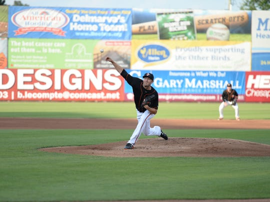 Chris Tillman throws a pitch in the Delmarva Shorebirds game against the Hagerstown Suns June 25, 2018.