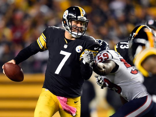 PITTSBURGH, PA - OCTOBER 20:   Ben Roethlisberger #7 of the Pittsburgh Steelers looks to throw the ball in the first half against the Houston Texans during their game at Heinz Field on October 20, 2014 in Pittsburgh, Pennsylvania.  (Photo by Joe Sargent/Getty Images)
