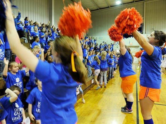 Chandler Elementary teachers take on the role of cheerleaders