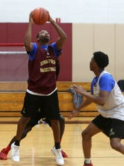 Iona basketball players practice at Iona Prep Jan. 31, 2018. Iona will face Stepinac at Iona College on Friday night.