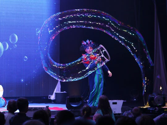 """The Underwater Bubble Show"" will be Tuesday, Nov. 22 at Emens Auditorium."