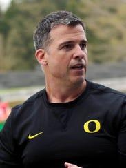 Oregon Ducks line coach Mario Cristobal