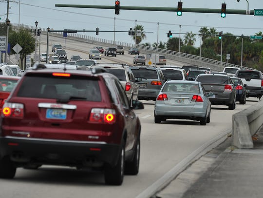 Northbound traffic begins to congest along U.S. 1 approaching