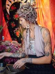 Amanda Boekhout collaborated with artists  Carrie Ann