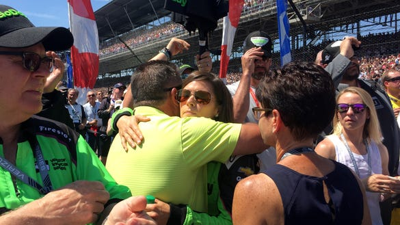 10 photos of Danica Patrick, her family and Aaron Rodgers before Indy 500