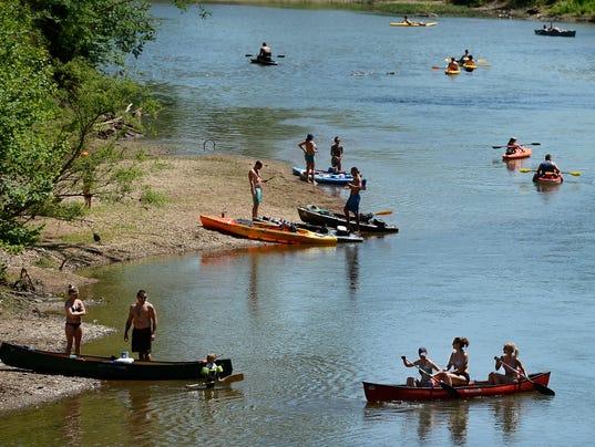 635985974177299179-Harpeth-Canoe-Kayak-002.JPG