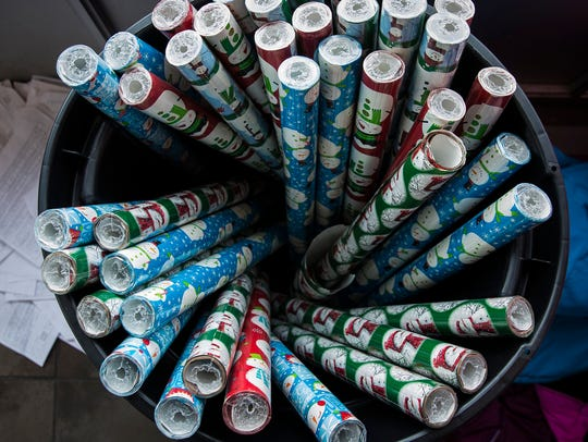 The Recycling Association of Minnesota notes that wrapping paper is generally not recyclable. Wrapping paper that contains less ink and no foil is more likely to be recyclable.