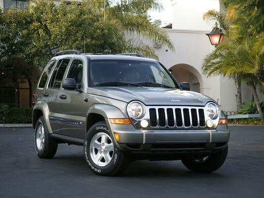 2005 Jeep Liberty diesel.jpg