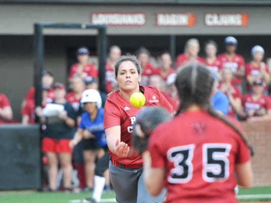 636223579992689505-Cajuns.vs.DePaul.Softball.02.10-8535.jpg