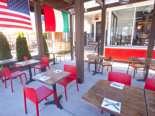 Outside Seating At Roc An Italian Restaurant On Bardstown