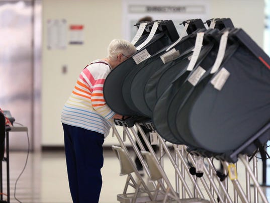 100835772-NS-early-voting04.JPG