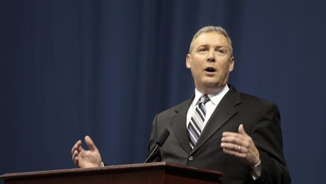 WKRC-TV anchor Brad Johansen speaks about Lauren Hill during her memorial service.