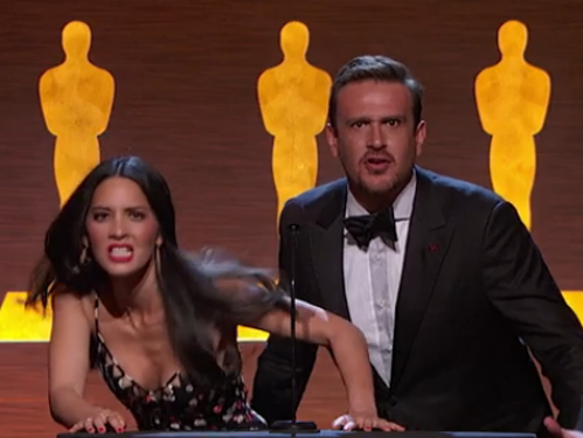 635910859048438798-Jason-Segel-and-Olivia-Munn.PNG