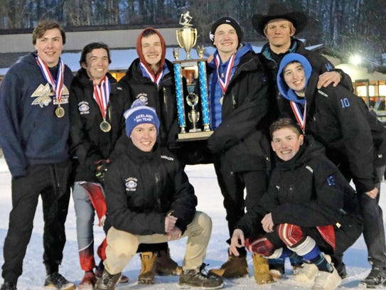 The Lakeland boys completed a perfect season in the