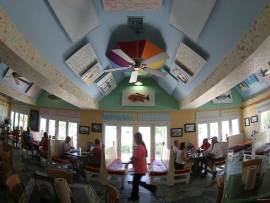 The dining room noise at Sanibel Fish House is reduced