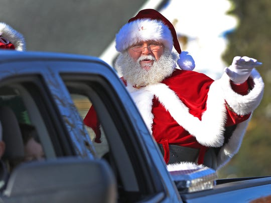 Santa arrives in Noblesville, the last ride in the