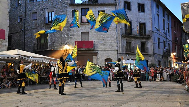 The Grouppo Storico Fivizzano flag waving troupe with travel from Tuscany for the Italian Festival of Arizona.