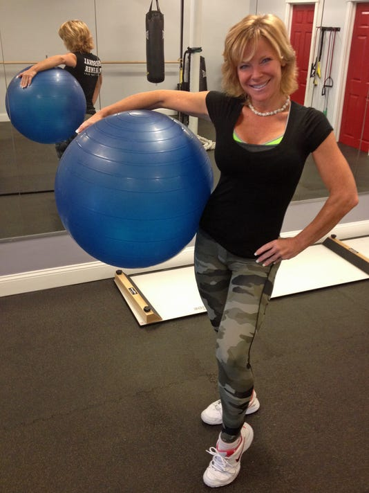 Pulverize ab flab! Do the reverse plank
