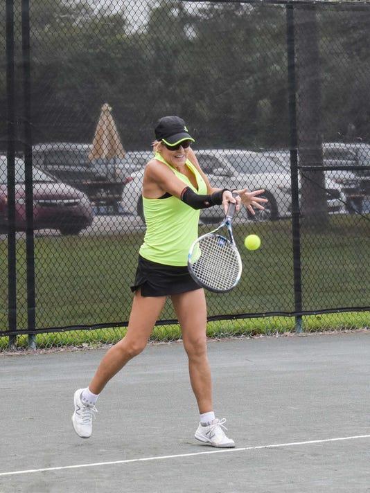 636451353422594134-SLC-PHOTO-1-Hands-Tennis.jpg