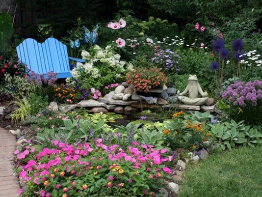 2017 Homestyle Garden Photo Contest Begins Friday