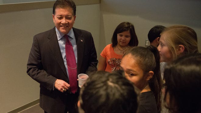 Mayor Ken Miyagishima speaks with students from Central Elementary after his State of the City address on Wednesday, February 15, 2017.