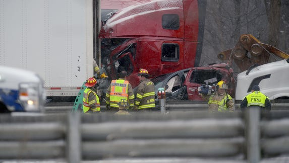 'Very chaotic scene' on I-96 as 3 dead, 11 hurt in 40-vehicle pileup