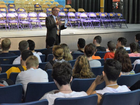 Freeholder Director Ronald G. Rios visited South Amboy High School seniors on June 14 to discuss his background, his duties as a Freeholder, what County government does and the possibilities available for the students' future.