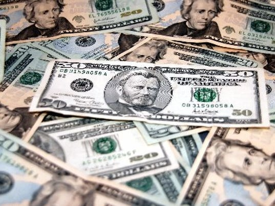 636349304418124021-0318-TCFE-TC-ARTS-TIP-MONEY.JPG