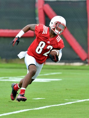 Louisville sophomore ide receiver Dontez Byrd participates in practice at the Louisville football practice facility in Louisville, Ky., Friday, August 7, 2015. (Timothy D. Easley/Special to the C-J)