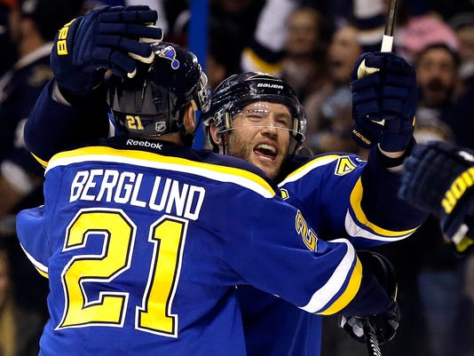 2016-04-14-blues-blackhawks