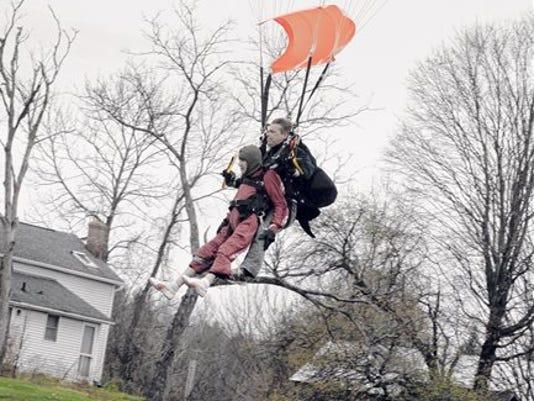 635513065496170009-centenarian-skydive