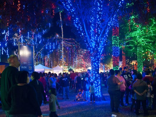 Through 1/7: Glendale Glitters