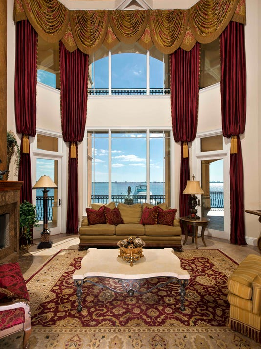 Cape Coral Great Room.jpg