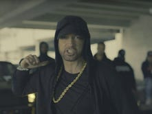 Video: Eminem attacks Trump in BET freestyle