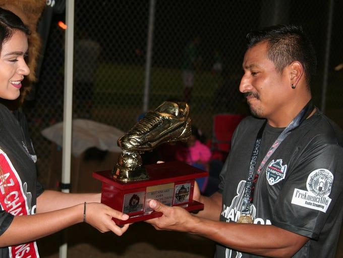 Jesús Vásquez fue reconocido como el goleador de la