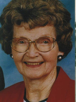 Rema Marie (Miller) Moren, 93, passed away on Tuesday morning, May 12, 2015.