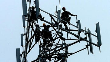 States limit police cellphone spying, but feds help seal records