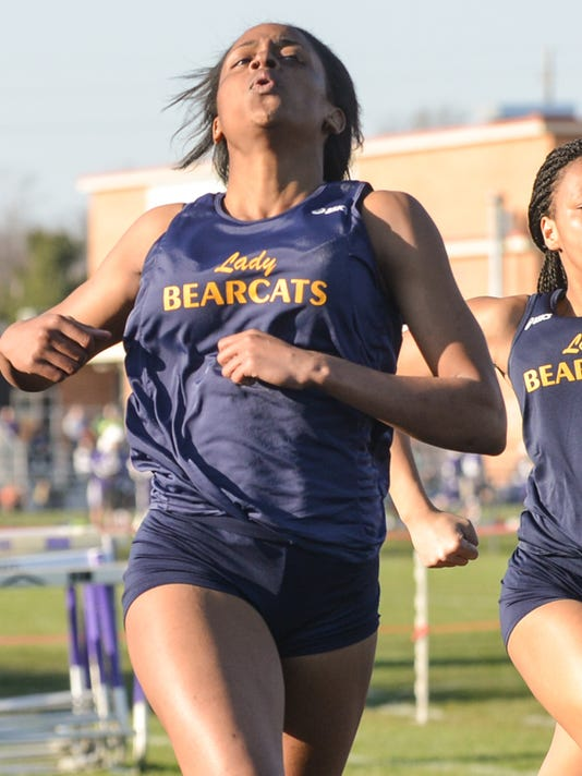 635965963320382102-Track-Meet-Girls-6.jpg