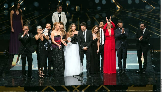 Kabah y OV7 reciben su premio en las Lunas del AUditorio.