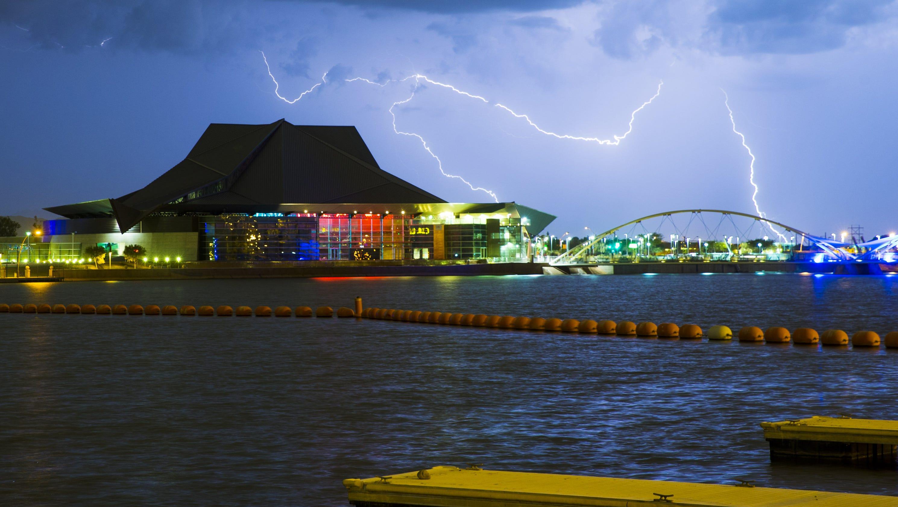 Monsoon storms hit arizona fall short of phoenix for Monsoon de