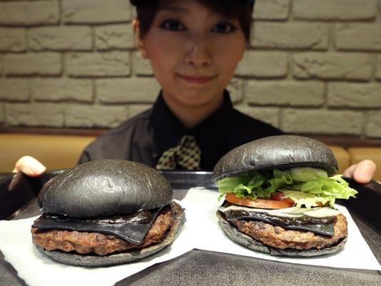 Japan Black Burger (3)