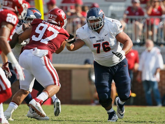 UTEP's Will Hernandez (76) blocks against Oklahoma
