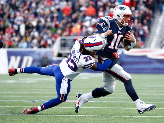 The New England Patriots traded Jimmy Garoppolo (10), the heir apparent to Tom Brady, earlier this season to the 49ers.