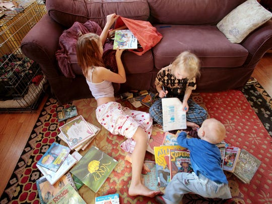 Arranging play dates for your children is a good way to get them socially prepared for the new school year.