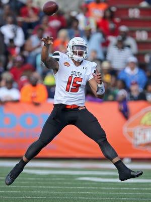 South squad quarterback Dak Prescott of Mississippi State fires a pass in the Senior Bowl.