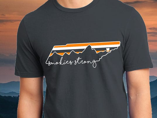 get a 39 smokies strong 39 t shirt to help gatlinburg victims