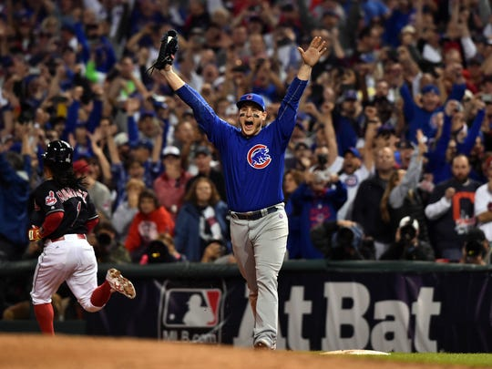 Chicago Cubs first baseman Anthony Rizzo celebrates